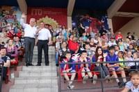 Более 150 девчонок и мальчишек Агаповского района на время стали азартными футбольными болельщиками