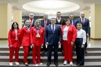 «Мы гордимся вами». Алексей Текслер наградил призеров и участников XVI летних Паралимпийских игр