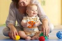 В  Управлении социальной защиты населения ведется прием документов   на новую  ежемесячную  выплату  в связи с рождением  (усыновлением) первого ребенка